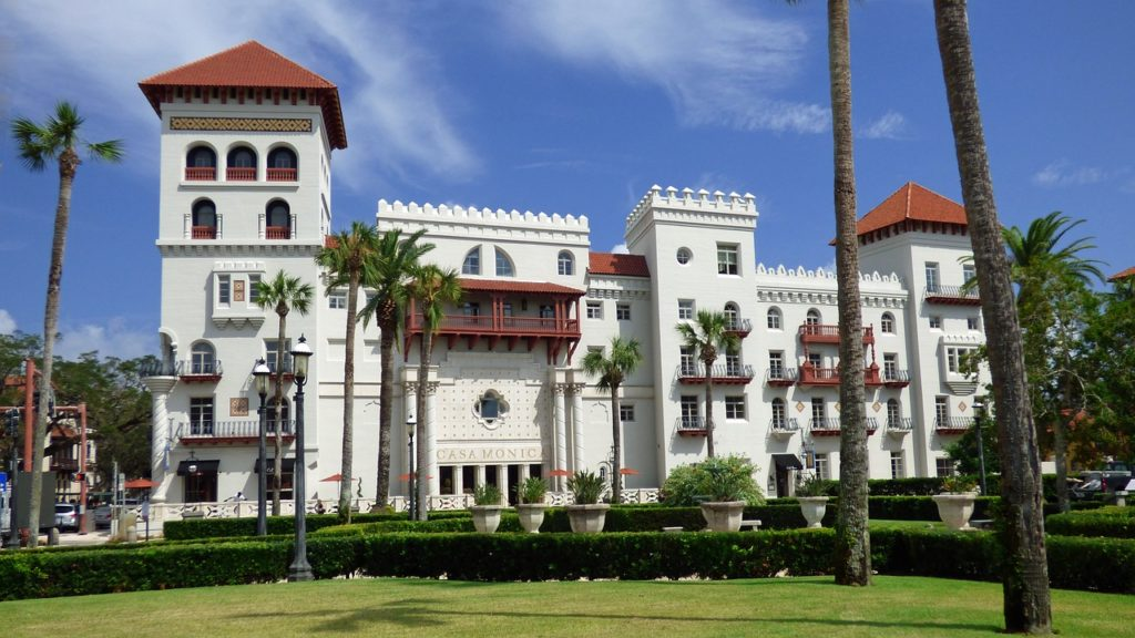 capacite accueil hotel taxe